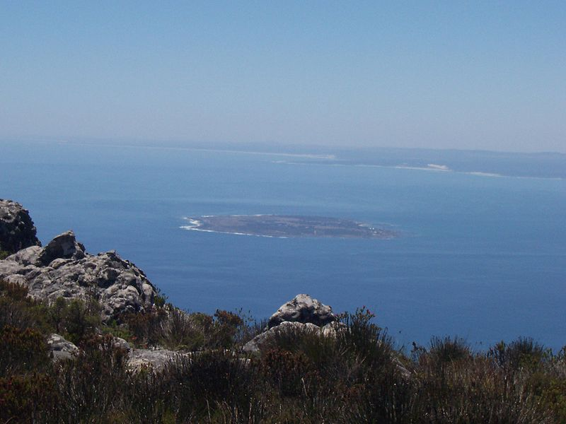 800px-Robben_island_from_table_mountain.