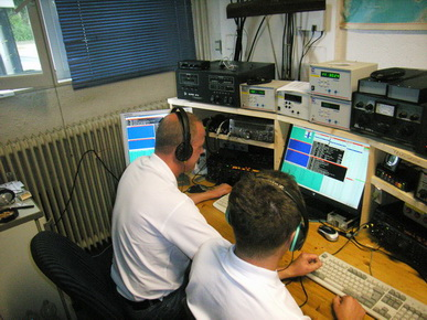 DF3CB and DJ2MX operating contest