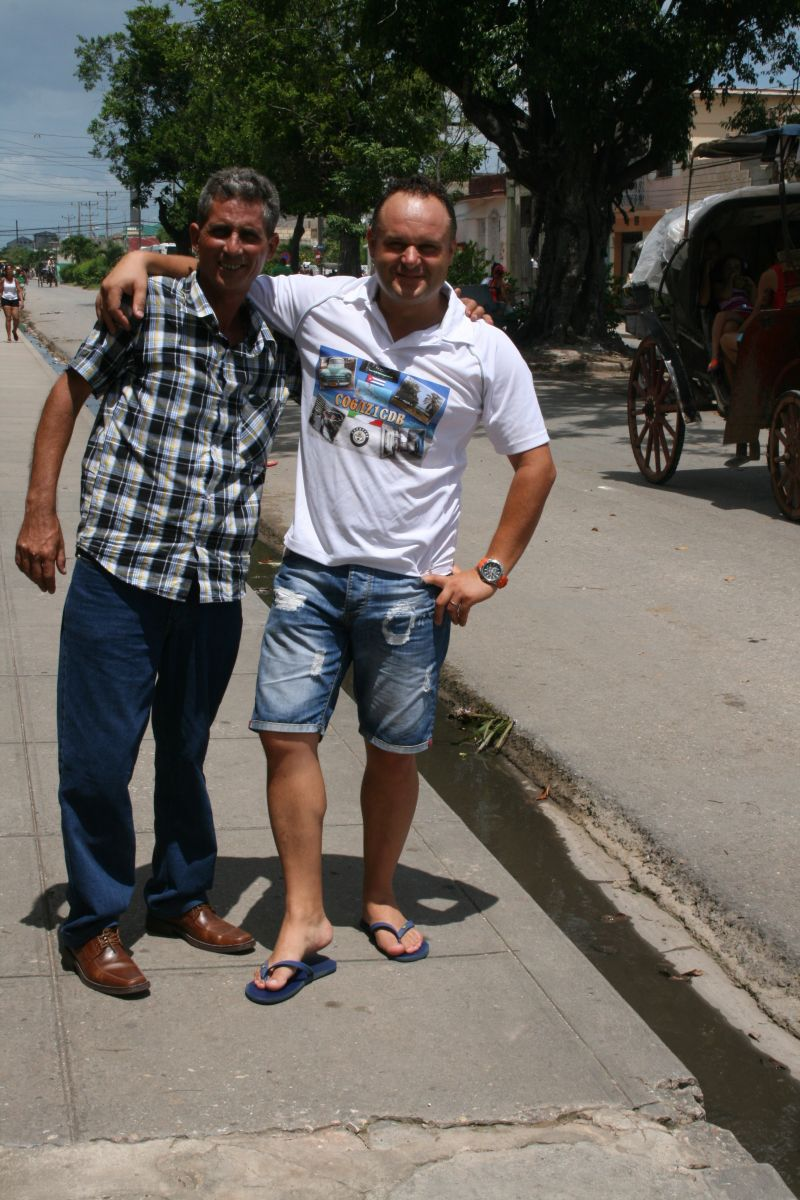 me and my qsl manager in CUBA AUGUST 2014!!!!