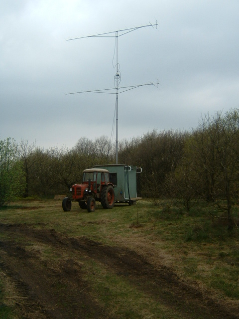 QRV NACNAC Contest setup 2X17 elm Ant in 113m Asl. 500w Hill top only 300m from home QTH