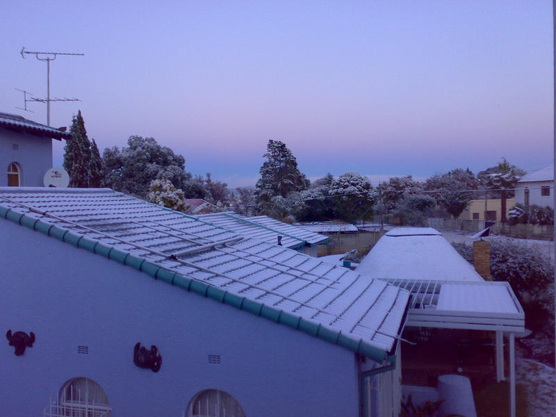 Snow in Alberton