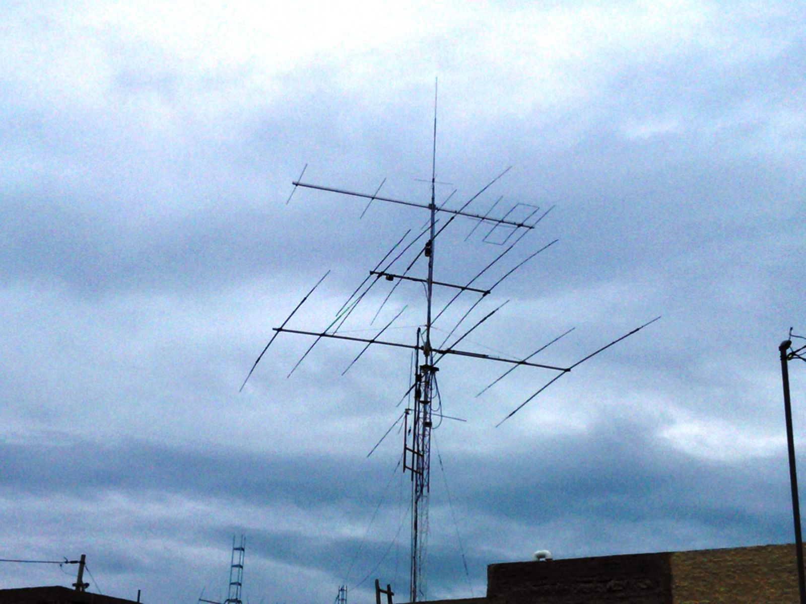 Vertical VHF for 2m / 6 Elem LFA for 6m / A4S by Cushcraft