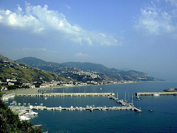Cetraro's harbor