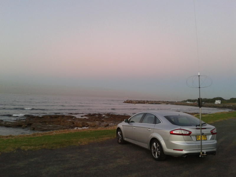 Hi-Q 4/80 MC2 setup for 40m with Cap Hat at Bellambi Pt,  May 2012