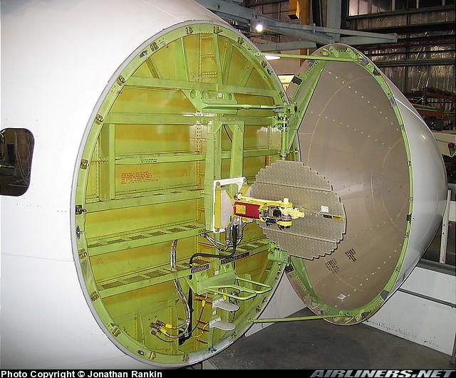 http://files.qrz.com/l/vk2gel/747_radar.jpg