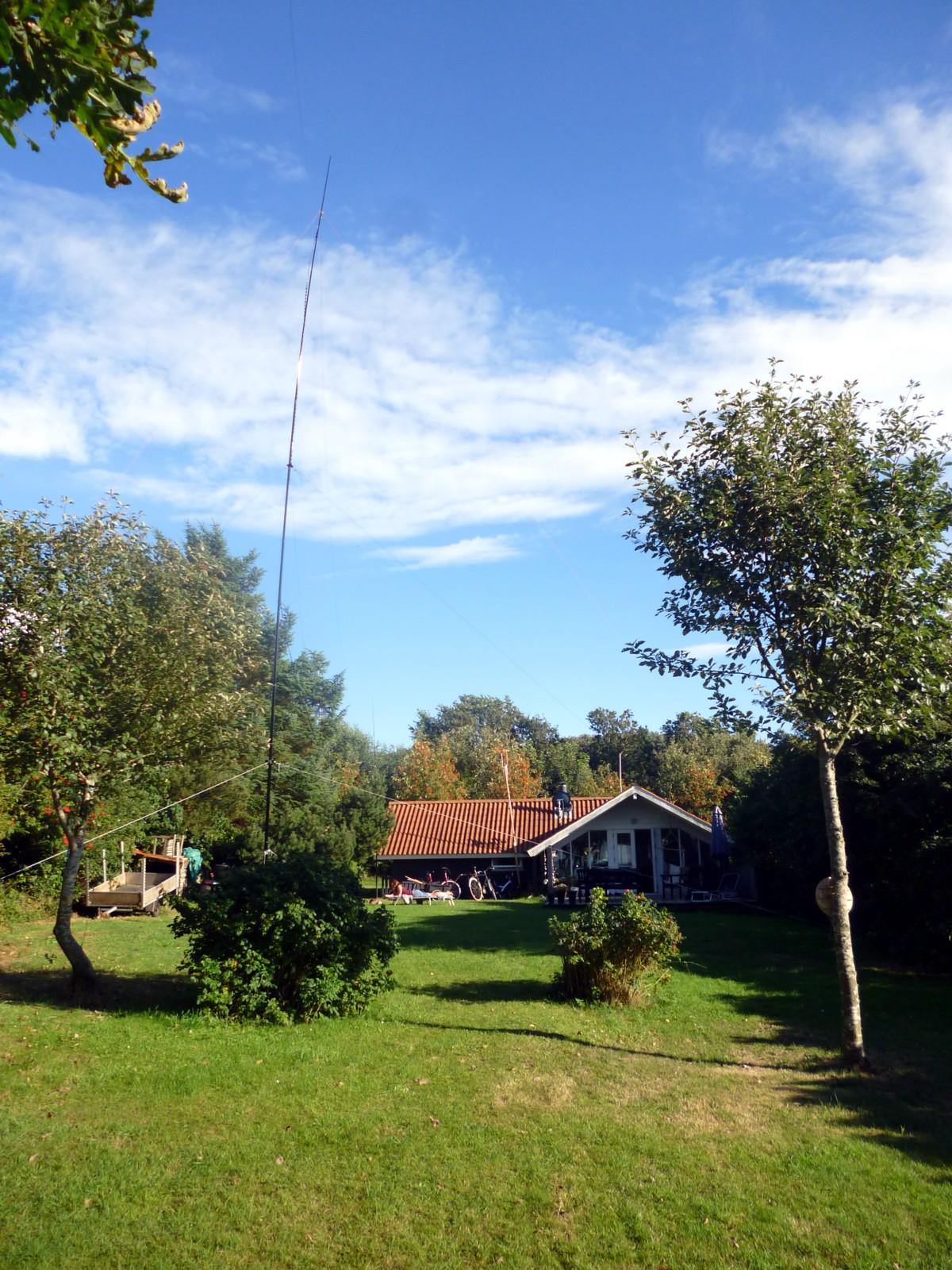 Dipole antenna at OZ/DL4FO