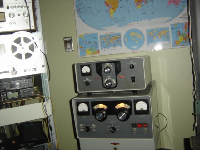 COLLINS 30L-1 AMP, BELOW COLLINS 30S-1 AMP, LEFT MOTOROLA 900MHZ GEAR