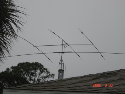 MOSELY TA-33, BELOW IS MOSLEY S-401 ROTATABLE DIPOLE ROHN 25 WITH HAZER