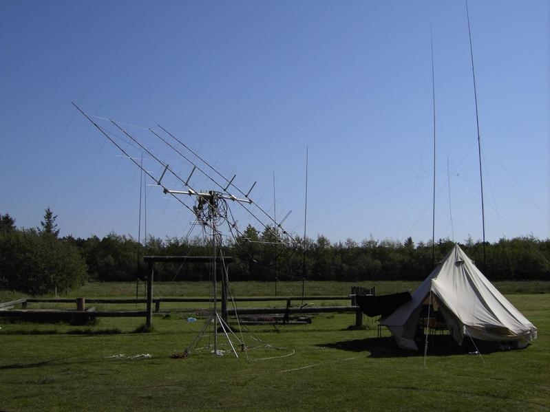 2008: in front system 70cm / 2m - double cross-yagi EME (JT65) / rear 4-SQ-40m