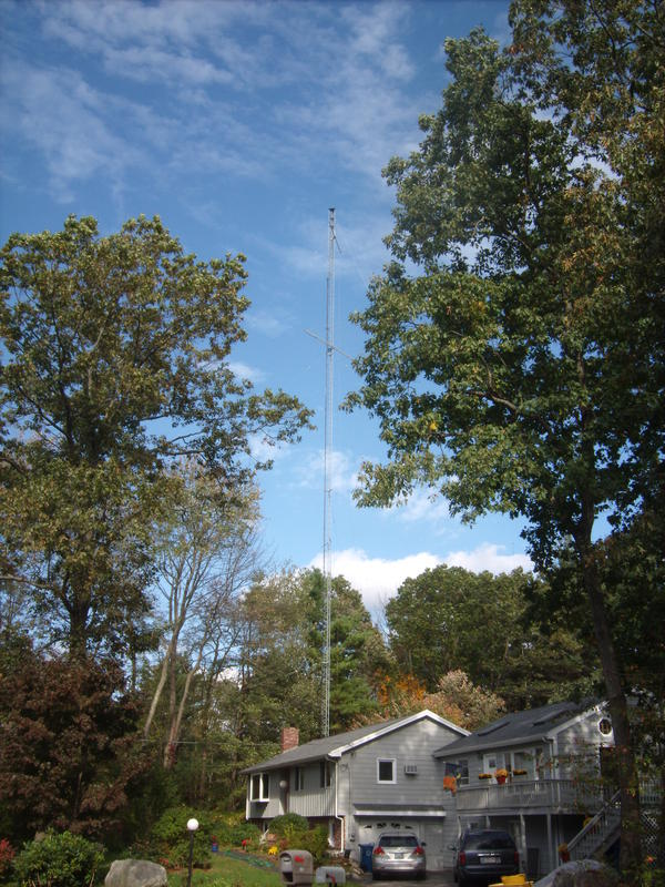Rolf's QTH in Tewksbury, 155 ft Tower